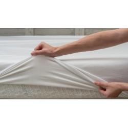 Drap housse standard blanc avec protection imperméable - B Sensible